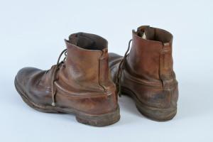 Žluté šněrovací boty Oldřicha Pechala. FOTO: VÚA–VHÚ