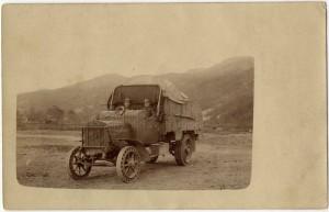 Rakousko-uherský nákladní automobil Praga V v Karpatech, odesláno 27. dubna 1917 Václavem Říhou jako pohlednice