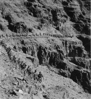 Čechoslováci v kaňonu u Jericha