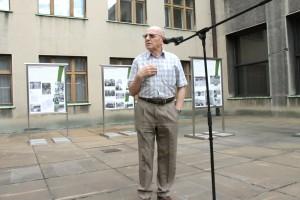 Luboš Dobrovský v Armádním muzeu Žižkov při vernisáži výstavy připomínající 25. výročí odchodu sovětských vojsk z Československa