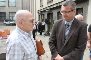 Luboš Dobrovský s Prokopem Tomkem z VHÚ v Armádním muzeu Žižkov při vernisáži výstavy připomínající 25. výročí odchodu sovětských vojsk z Československa