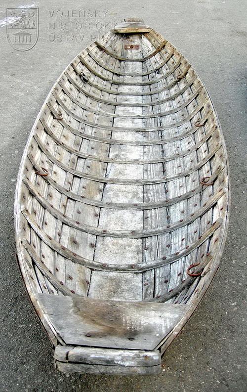 Německé člunovité sáně tzv. Boots-Akja