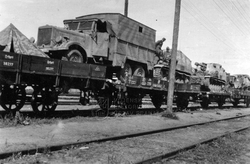 Vagóny s německou vojenskou technikou