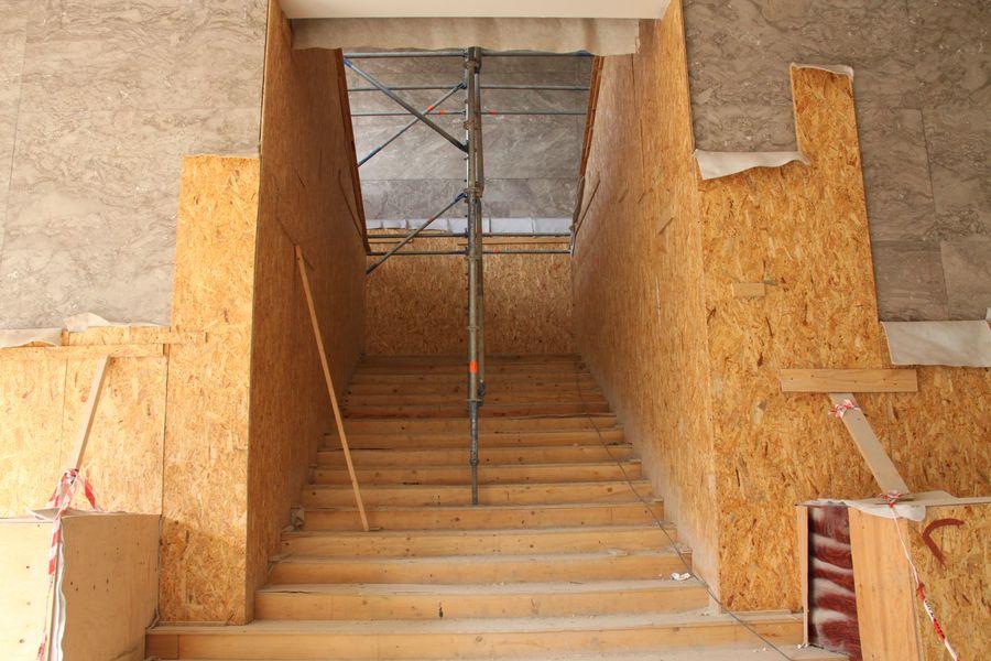 Hlavní schodiště muzejní budovy