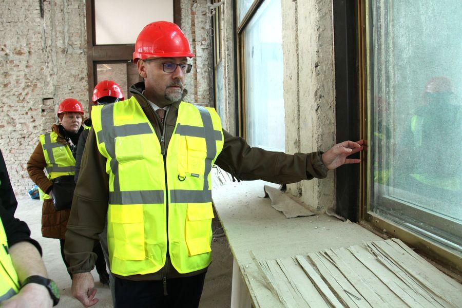 Velká okna procházejí renovací