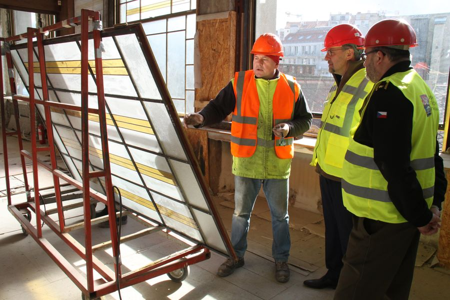U restaurování vitráží oken