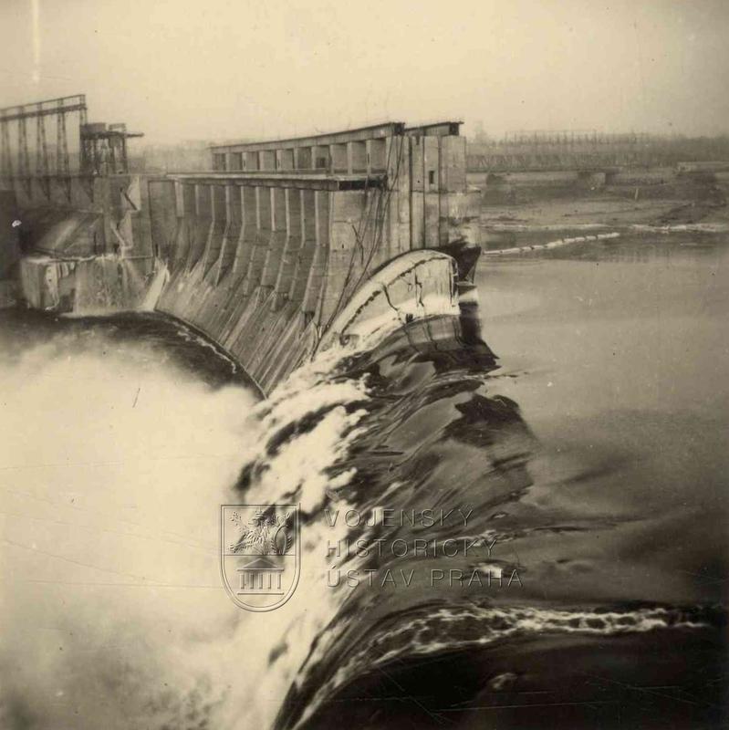 Poškození Dněperské vodní elektrárny v SSSR v srpnu 1941