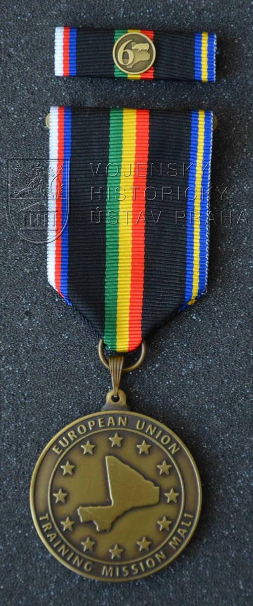 Pamětní odznak 6. úkolového uskupení Mali – EU TM