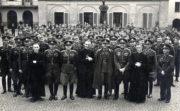 Skupinový snímek příslušníků Vládního vojska během nasazení v Itálii na sklonku války. Foto sbírka VHÚ.