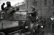 Začátek okupace zbytku Československa, příjezd německé armády do Prahy 15. března 1939. Foto sbírka VHÚ.
