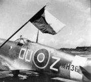 Stíhací letoun Spitfire patřící 312. československé stíhací peruti RAF. Foto sbírka VHÚ.