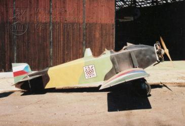 Avia Bk-11
