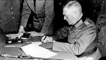 Rychlá porážka i pomalá kapitulace nacistů před 75 lety