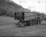 Přepravník mostu PM-55 sloužil k zásobování tanku MT-55A dalšími mosty