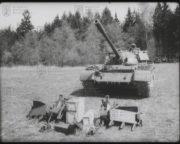 Souprava odminovače KMT-6 před instalací na tank