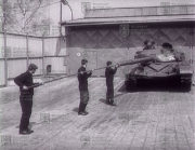 Čištění hlavně 125 mm tankového kanonu 2A46