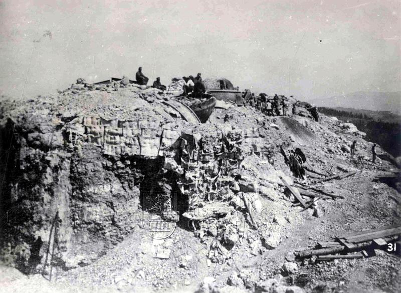 Rakousko-uherská pevnost Lusern na hranici s Itálií