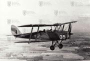 Vzorem pro kbelskou renovaci DH-82 A byl tento Tiger Moth patřící No. 3 EFTS na kterém létali i naši letci ve Velké Británii