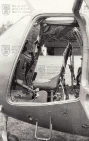 Sedadlo žáka ve dvoumístném vrtulníku WSK SM-1 MU (Mi-1 MU)