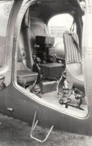 Sedadlo instruktora se ve vrtulníku WSK SM-1 MU nacházelo vyosené vpravo za žákem