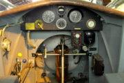Většina palubních přístrojů Letovu Š-218 byla společná pro žáka i instruktora