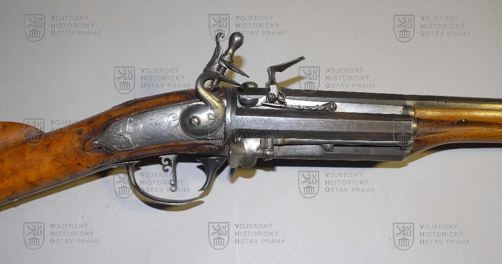 Puška revolverová s francouzským křesadlovým zámkem, Čechy, konec 17. století
