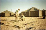 Válka v Zálivu; na místě bylo třeba ve složitých klimatických podmínkách postavit základnu u města Hafar al-Batin.