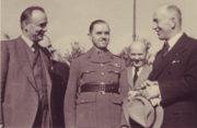 Mjr. Harold Gibson v rozhovoru s plk. Františkem Moravcem a Edvardem Benešem (Pavel Kreisinger: Britský zpravodajský důstojník Harold Gibson a československá vojenská zpravodajská služba)