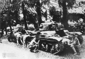 Francouzští vojáci stanky Renault R35