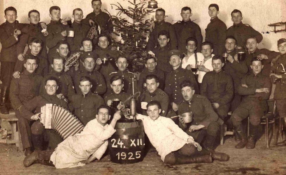 Oslava Vánoc v roce 1925 u jezdeckého pluku