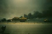 Českoslovenští vojáci si během války v Zálivu pořídili řadu fotek.