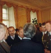 Příslušníky jednotky prezident Havel pozval i na Pražský hrad.