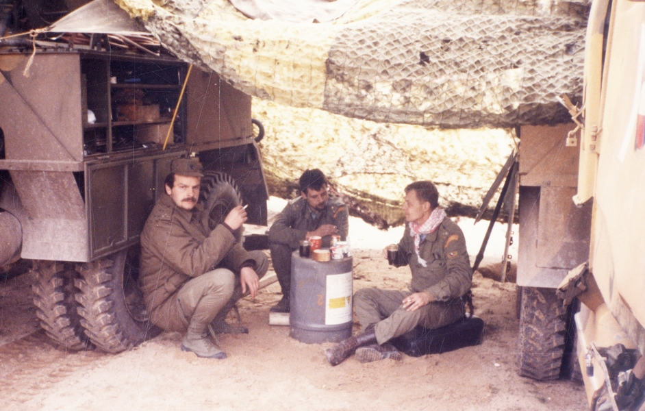 Chvíle oddychu čs. vojáků ve válce v Zálivu