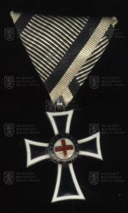 Mariánský kříž Řádu německých rytířů, II. třída (avers). FOTO VHÚ.