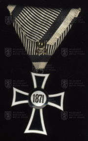 Mariánský kříž Řádu německých rytířů, II. třída (revers). FOTO VHÚ.