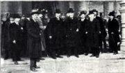 Příjezd části delegátů na kongres.