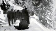 Vyhladovělí vojáci umírali během pochodu přímo na cestě. K přístavům u Jaderského moře se podařilo dostat jen zbytkům srbského vojska.