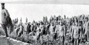 Vylodění srbských jednotek na ostrově Korfu.