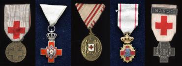 Ocenění, pro která se nezabíjelo. Vyznamenání, medaile a odznaky nejen Červeného kříže.