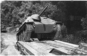 Přesun německého stíhače tanků Jagdpanzer 38 (t) Hetzer v60. letech 20. století do sbírky VHÚ