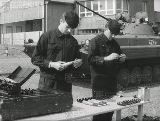 """Film """"Příprava výzbroje BVP-2 ke střelbě a její ošetřování po střelbě"""""""