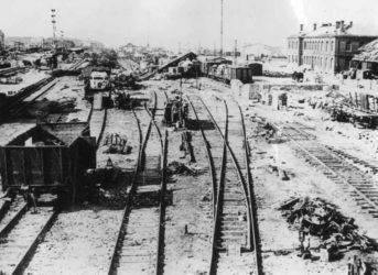 Pohled na chebské nádraží po spojeneckém bombardování vroce 1945