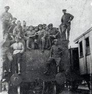 Obrněný vlak penzenské skupiny v obsazeném Buzuluku.