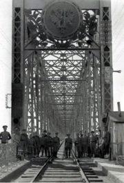 Alexandrovský most dobytý čs. jednotkami 31. května 1918.