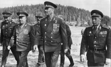 Posrpnové kompromisy a postoj ministra obrany Martina Dzúra