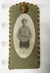 Fotografie ruského legionáře na carském nárameníku