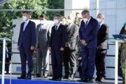 Zleva: premiér Andrej Babiš, předseda Senátu Miloš Vystrčil, ministr obrany Lubomír Metnar