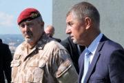 Náčelník Generálního štábu AČR Aleš Opata a premiér Andrej Babiš