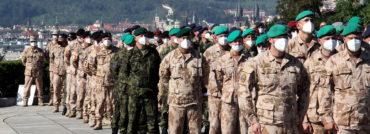 Slavnostní nástup českých vojáků zAfghánistánu na pražském Vítkově